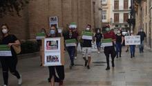 Protesta de trabajadores de salones de juego en las Corts valencianes.