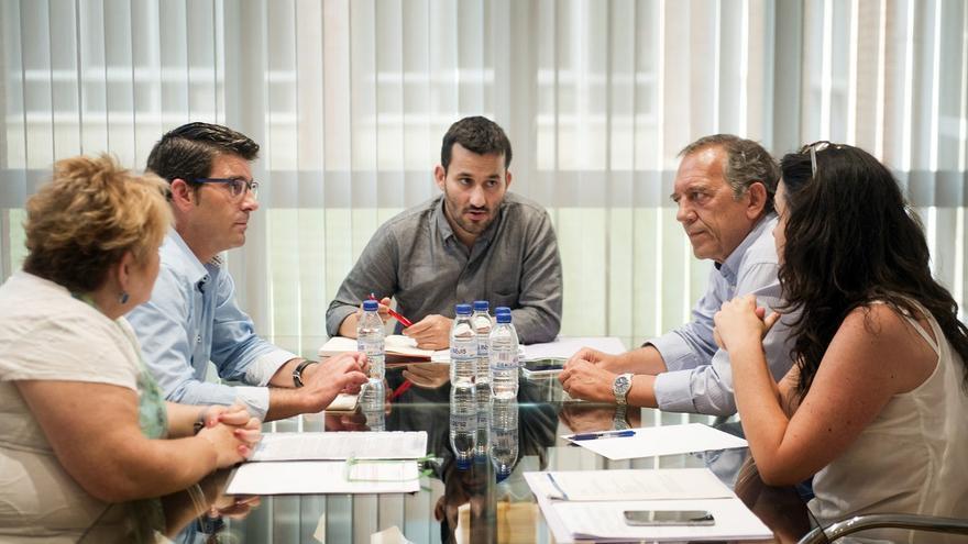 Imagen de la reunión ente Jorge Rodríguez y Vicent Marzà