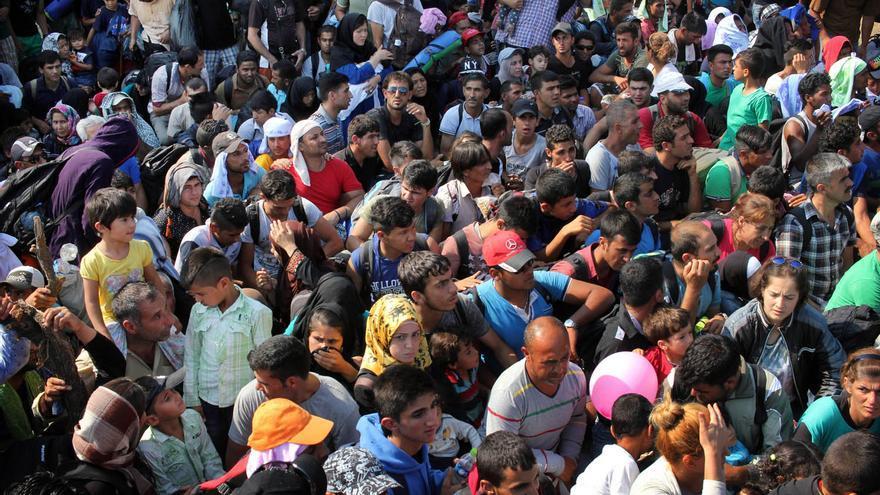 (NO USAR) La Agencia de Naciones Unidas para los Refugiados (ACNUR) estima que en los próximos días llegarán unas 3.000 personas diarias a Serbia tras pasar por Grecia y Macedonia | Sergi Cámara
