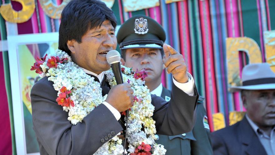 Evo Morales en la inauguración de un centro de educación en Santiago de Huata