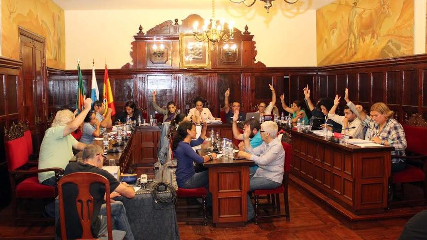 En la imagen, un momento del pleno celebrado este jueves por el Ayuntamiento de Los Llanos de Aridane.