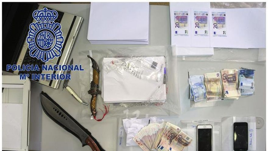 Detenidas tres mujeres especializadas en falsificar billetes en Oviedo