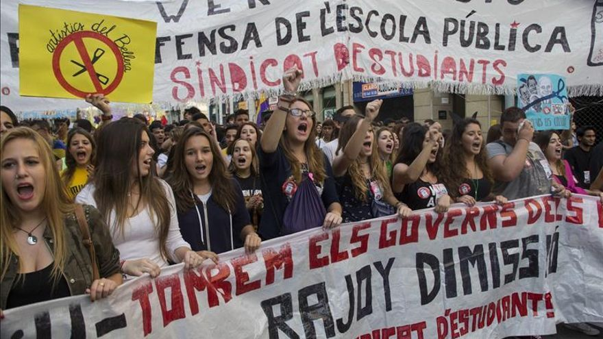 Los estudiantes salen a la calle contra la Lomce y amenazan con una huelga indefinida