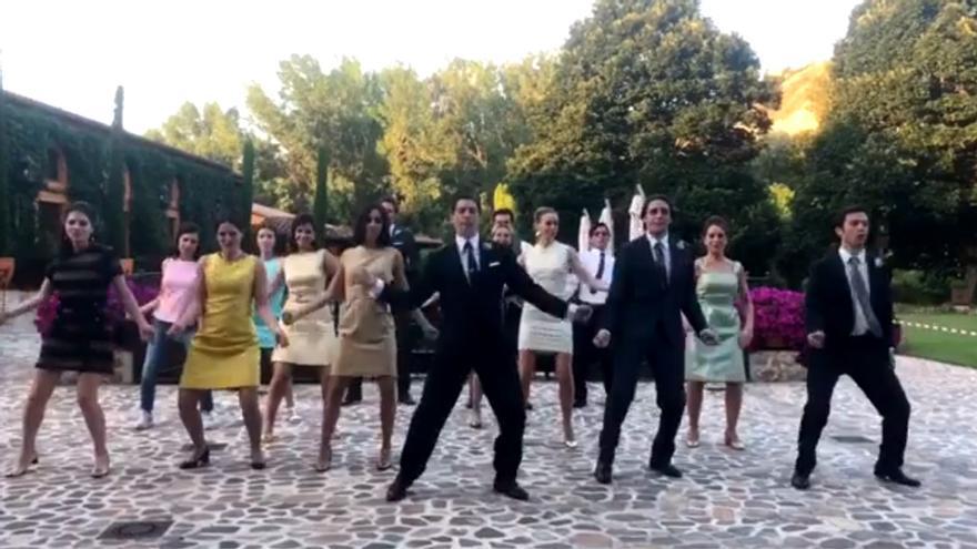 La coreografía de los actores de Velvet Colección
