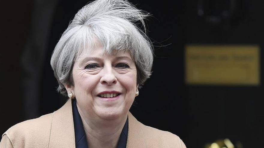 May y Corbyn cruzan acusaciones en su último careo en los Comunes
