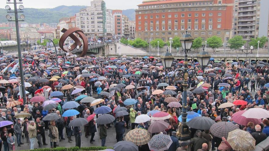 """Pensionistas de Bizkaia llaman a """"continuar la lucha"""" hasta que las pensiones """"se blinden"""" en la Constitución"""