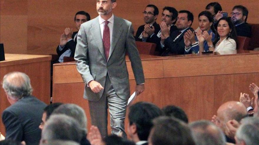 El rey asiste al arranque del Congreso de la Empresa Familiar en Alicante