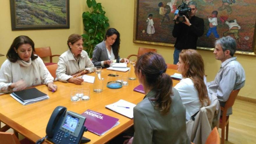 Reunión de Podemos con la conejera Blanco-Morales / @Podemos_EXT