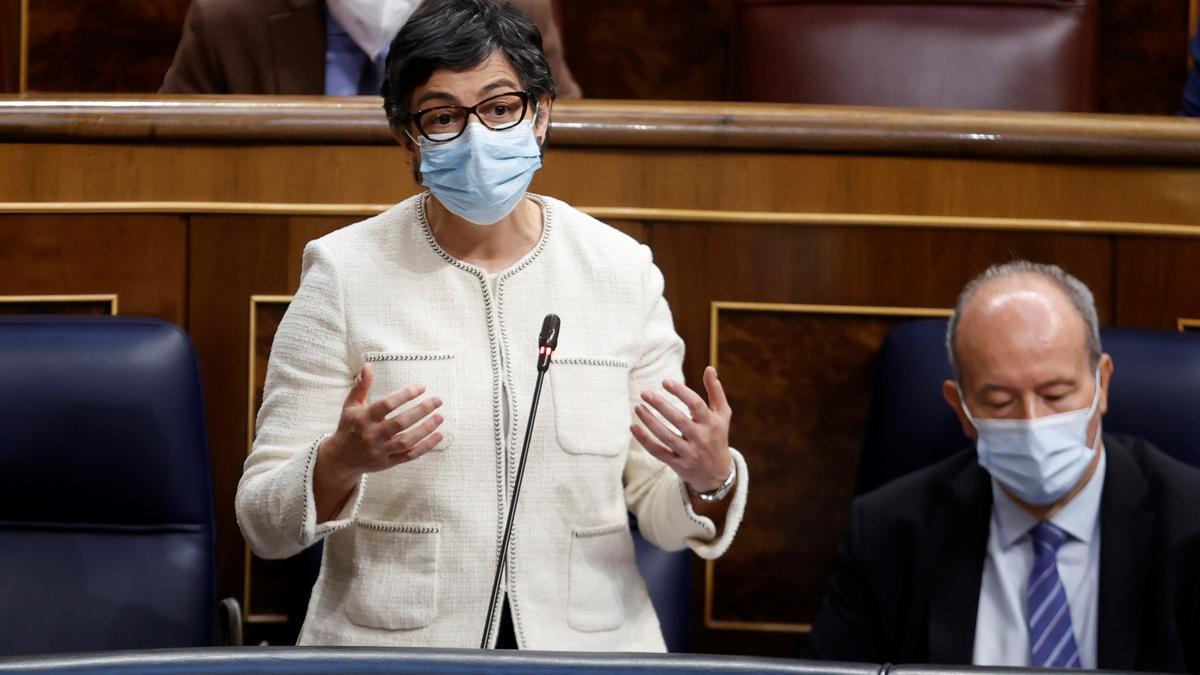 La ministra de Asuntos Exteriores, Arancha González Laya, durante su intervención en la sesión de control al Ejecutivo de este miércoles en el Congreso, la primera tras el fin del estado de alarma. EFE/ Chema Moya