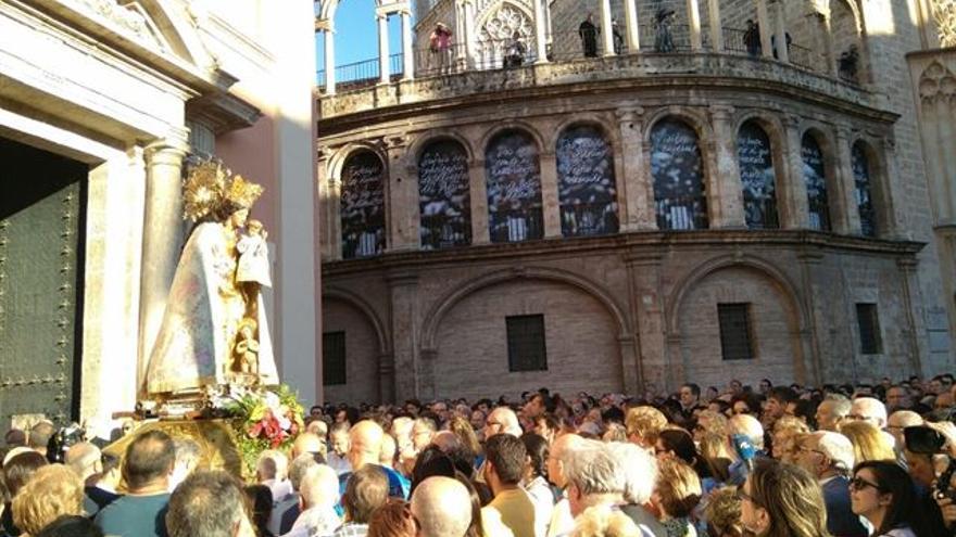 La virgen de los Desamparados en el acto de desagravio convocado por el cardenal Antonio Cañizares en Valencia
