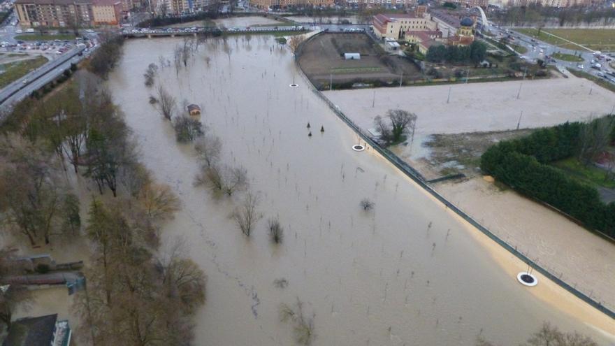 Las avenidas llegarán esta tarde a Funes y de madrugada a la Ribera, sin ocasionar daños graves de momento