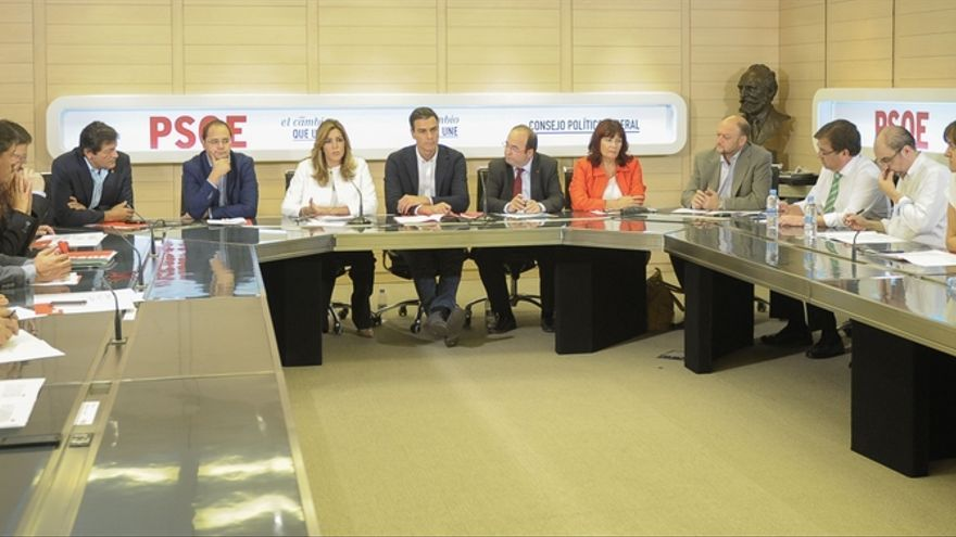 Los 'barones' del PSOE defienden que la solución a la división es legalidad, diálogo y reformas