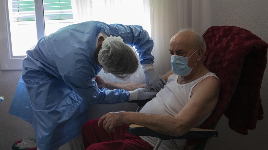 Catalunya identifica cuatro casos de reinfección por COVID-19