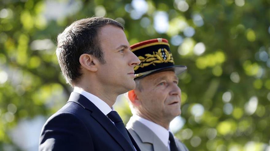 La ministra francesa de Defensa recuerda al ejército el mensaje de disciplina