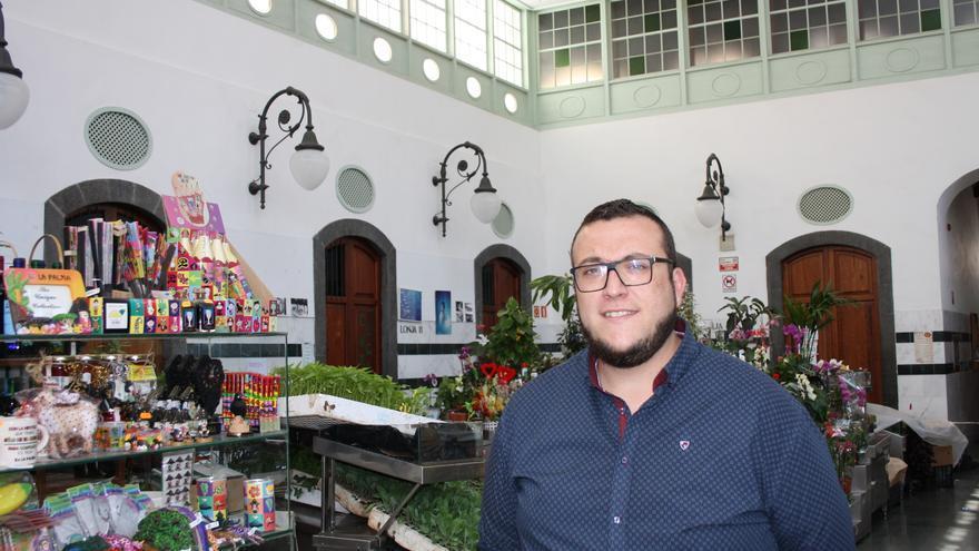 Juanjo Neris, concejal de Mercado de Santa Cruz de La Palma, en La Recova.