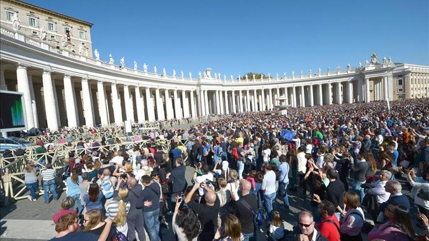 """El Papa recuerda a las """"víctimas de la guerra"""" y a los fallecidos """"por ser cristianos"""""""