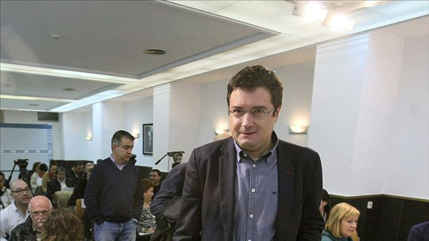 """Óscar López dice que el PSOE """"levantó el Estado del bienestar"""" y el PP lo desmantela"""