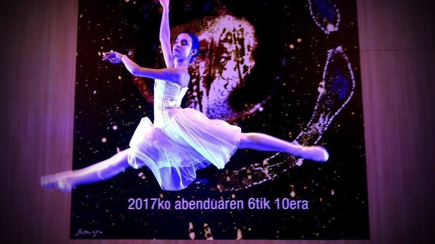 La Durangoko Azoka inicia su 52ª edición con un espectáculo del  bailarín Martxel Rodríguez