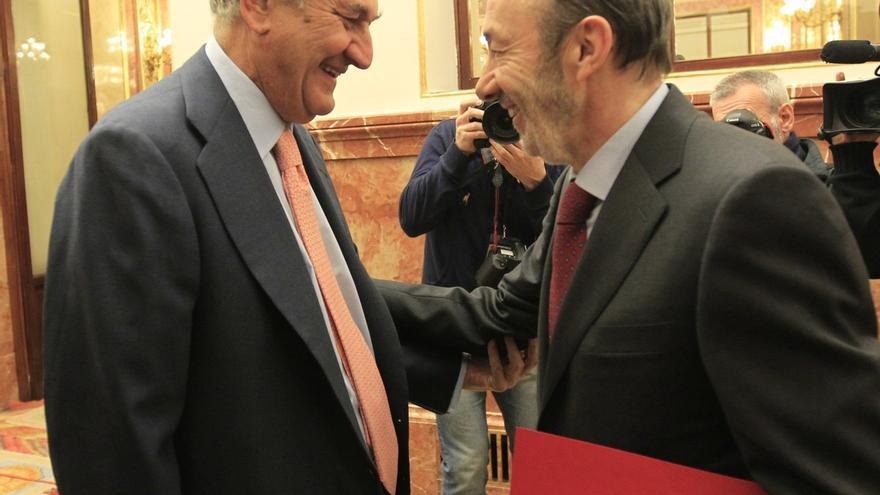 Rubalcaba vuelve al Congreso invitado por Posada