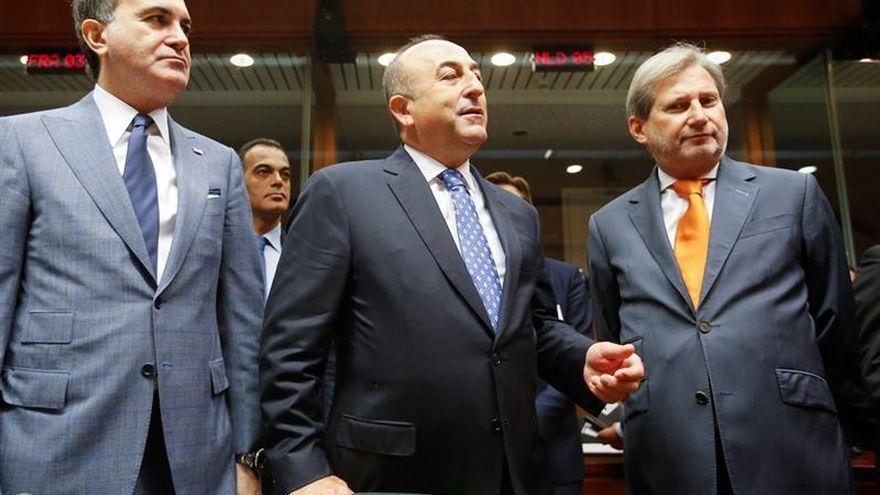 Turquía dice que el voto de la Eurocámara carece de visión y será devuelto