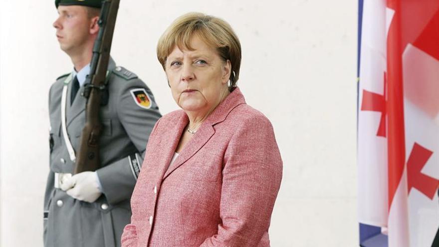Merkel: la lucha contra el cambio climático es una cuestión de supervivencia