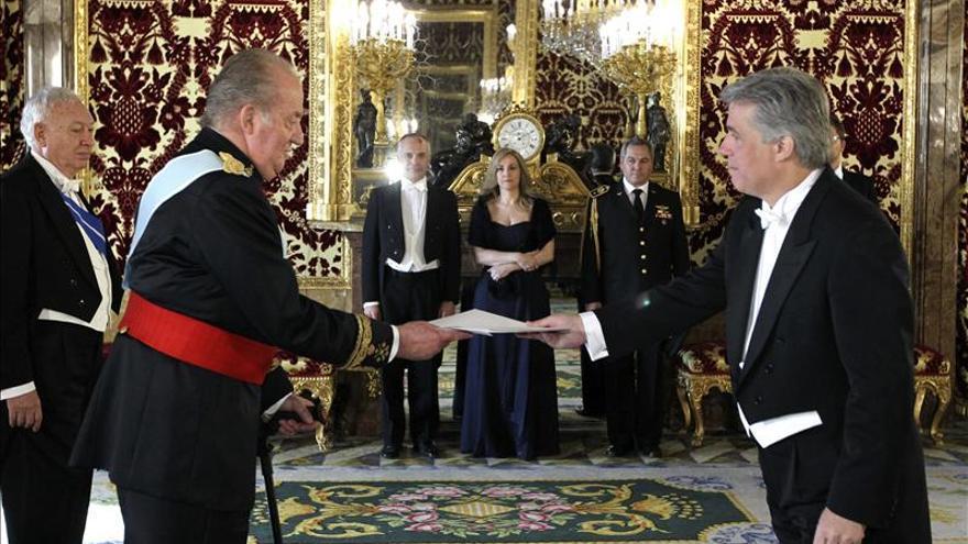 El Rey recibe a los embajadores de Uruguay, Jordania, Serbia, Ucrania y Cabo Verde