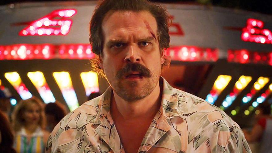 """David Harbor promete más oscuridad y algo """"épico"""" para Hopper en la temporada 4 de 'Stranger Things'"""