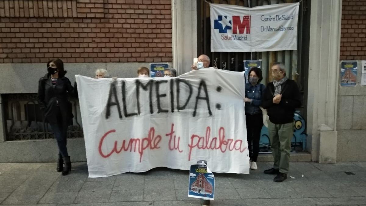 Vecinos de centro reclaman un centro de salud en el edifico de la Ingobernable en honor a un médico fallecido por covid