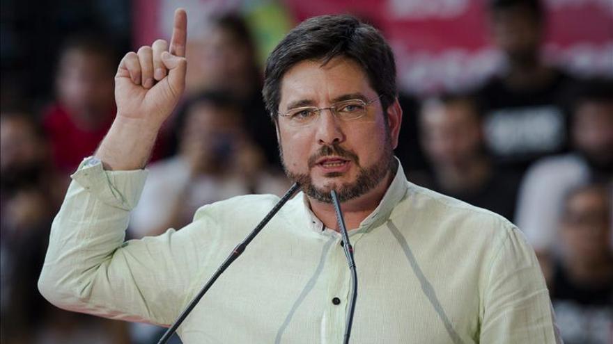 El candidato de EU al Gobierno valenciano dimite al no lograr representación