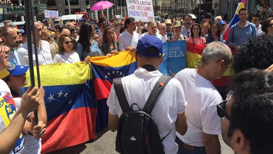 Manifestación, el domingo pasado en Madrid, de apoyo a la Mesa de la Unidad de Venezuela