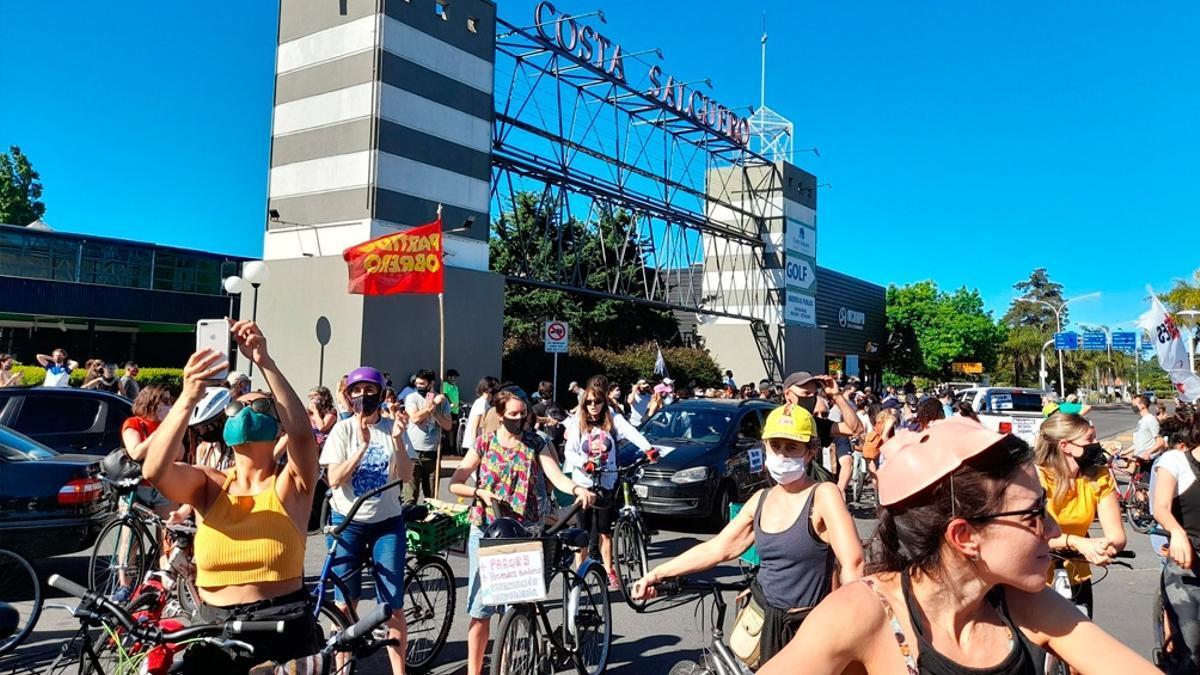 Movimientos sociales se oponen a la construcción de edificios en la costanera porteña.