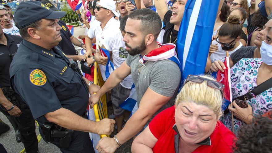 Los cubanos de Miami mantienen viva la atención en las protestas en Cuba