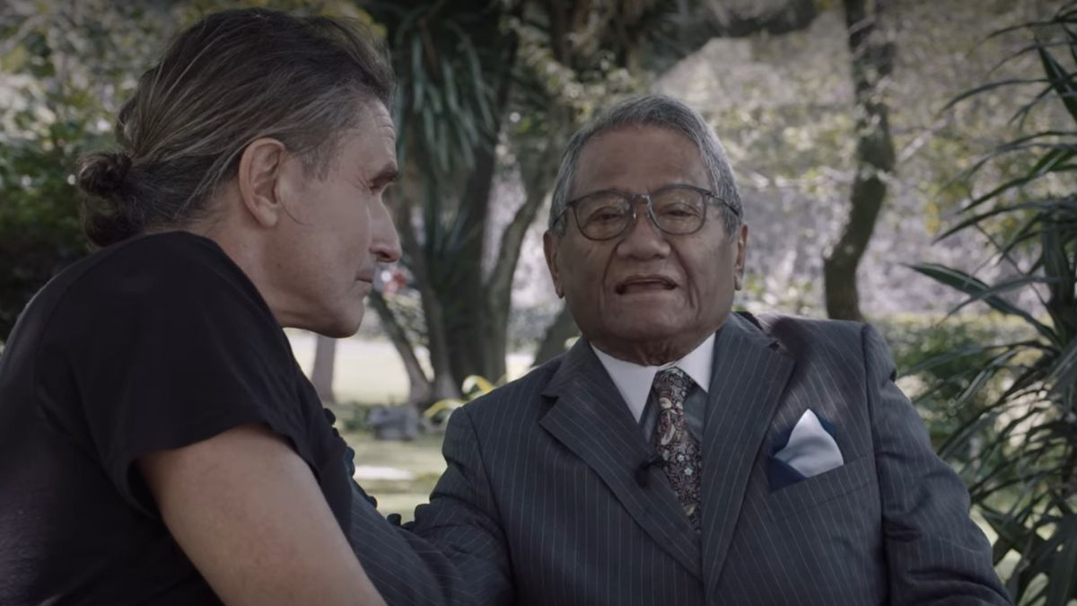 El músico español Nacho Cano y el mexicano Armando Manzanero en un momento del tráiler de 'La creación de Malinche: un documental de Nacho Cano'