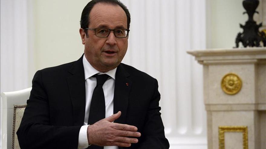 Hollande y Cameron acuerdan reforzar su cooperación en la lucha contra el EI