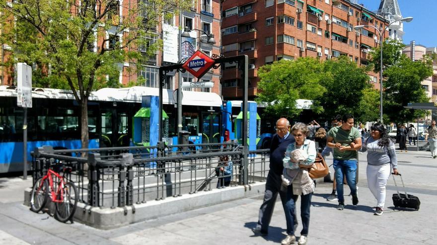 Entrada a la estación de metro de Tribunal | SOMOS MALASAÑA