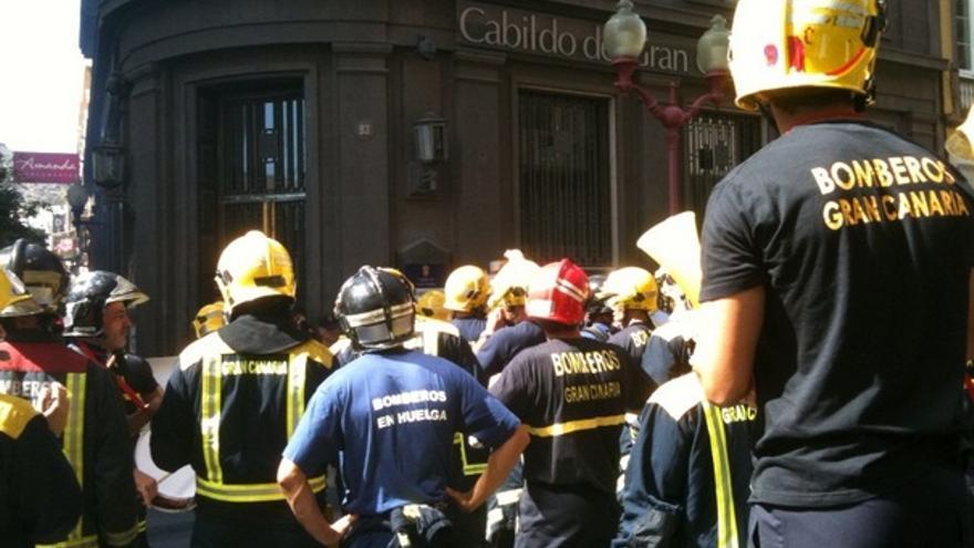 De las protesta de los bomberos #12