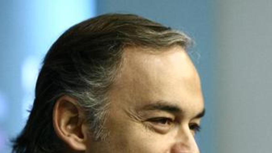 """Pons ve la trama como una oportunidad para """"depurarse"""" y eliminar las partes """"intoxicadas"""" del partido"""