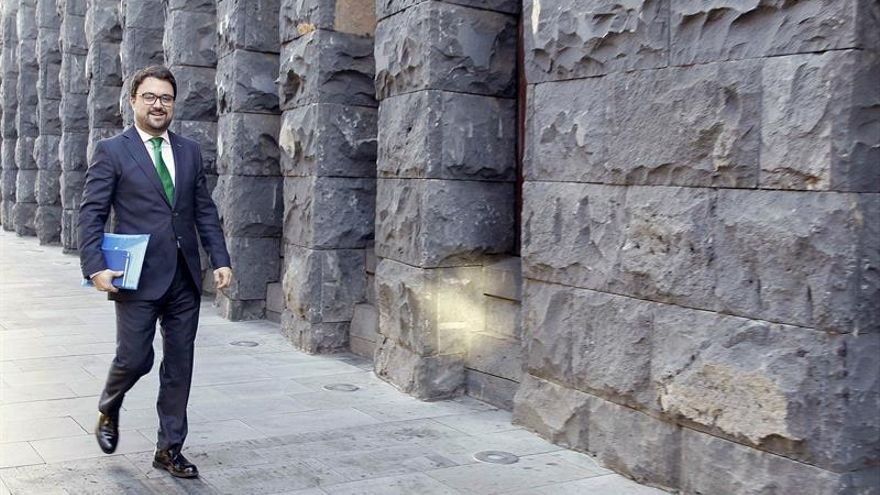 El presidente del grupo parlamentario Popular y presidente del PP en Canarias, Asier Antona. EFE/Cristóbal García