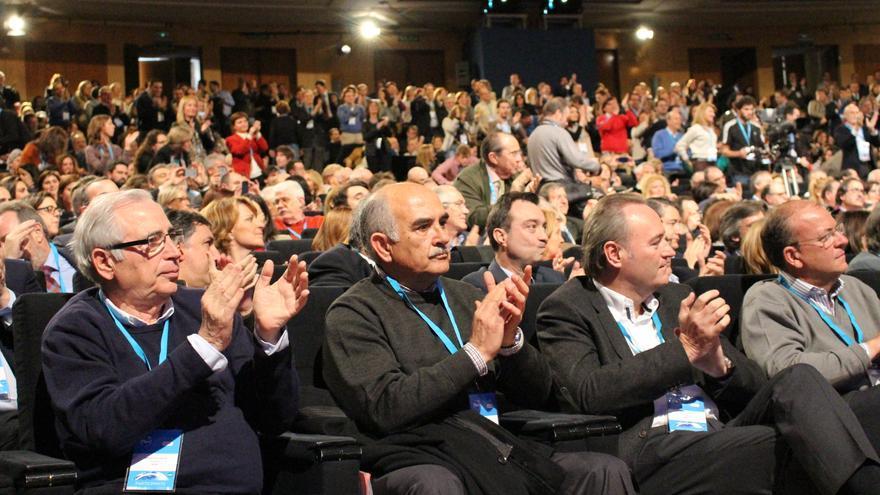 Alberto Garre junto a Fabra y Monago en la Convención del PP