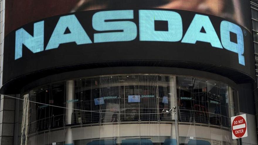 EE.UU. multa al Nasdaq con 10 millones de dólares por los fallos en la salida a la bolsa de Facebook