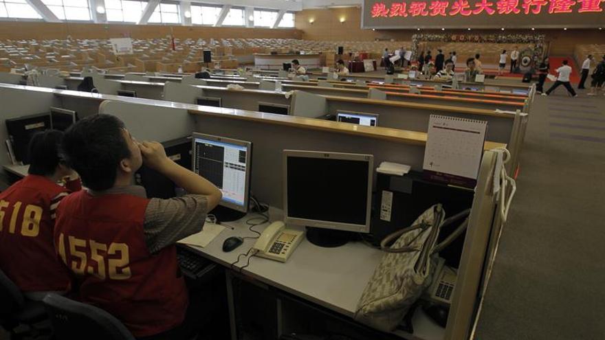 La Bolsa de Shanghái abre con un descenso del 0,28 %