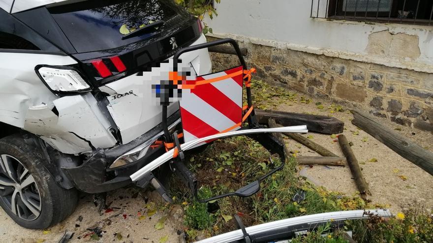 El estado del vehículo dle agente medioambiental de la Junta de Castilla y Leon.