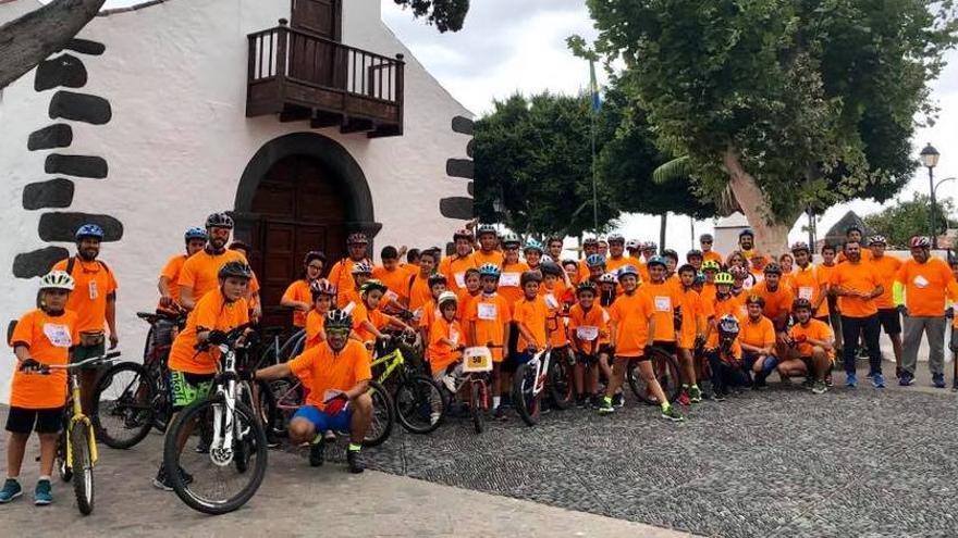 Participantes en la Fiesta de la Bicicleta de Breña Baja.