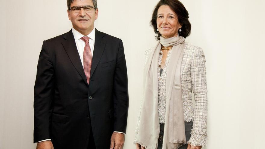 Banco Santander cobrará unos dos euros a los no clientes por el uso de cajeros en dos meses