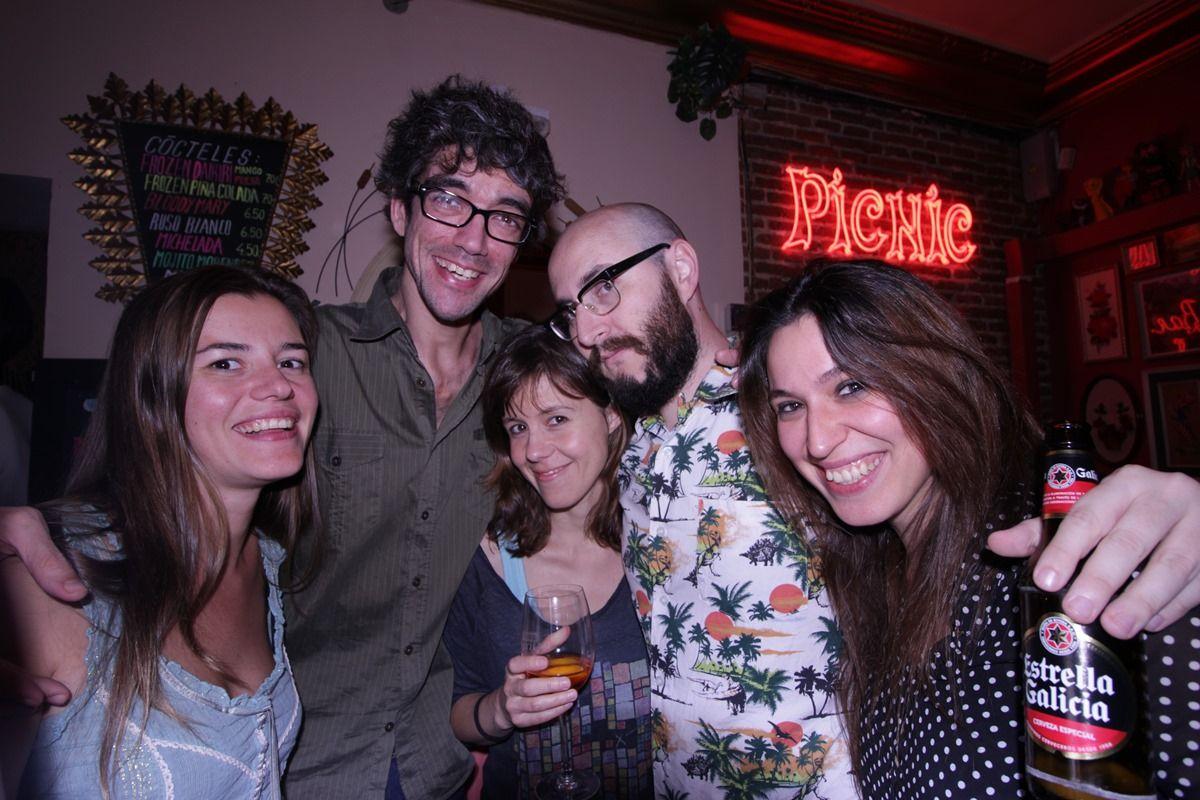 Varios de los asistentes al VII aniversario del Picnic Bar | RAQUEL ANGULO