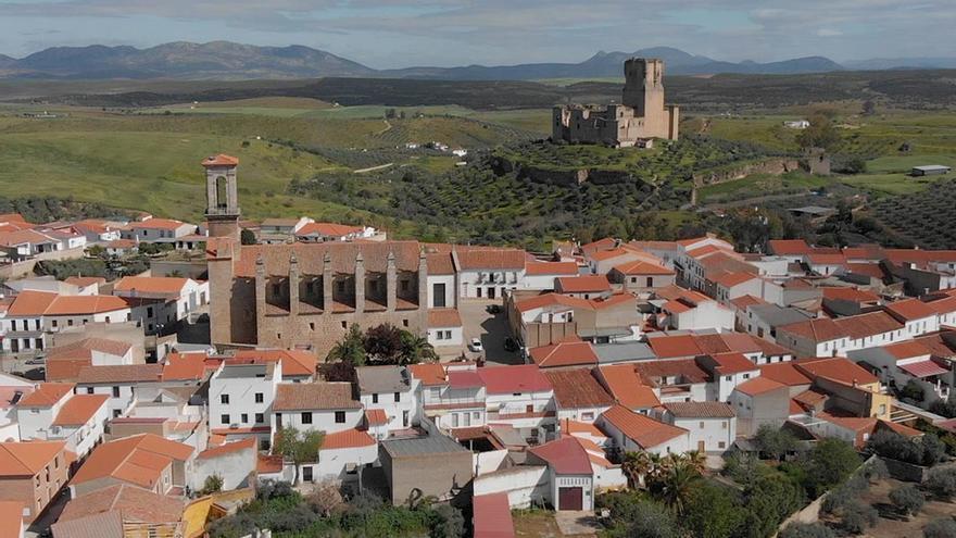 Belalcázar con su castillo al fondo | FERNANDO HERMOSO