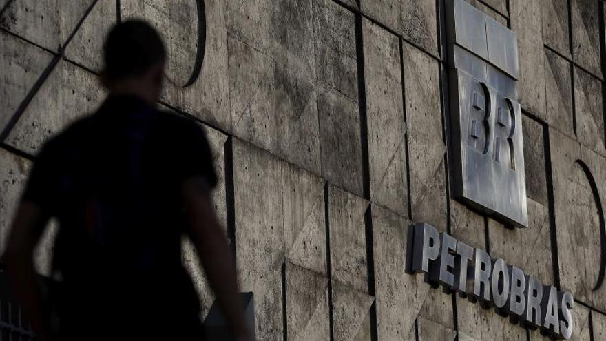 La mayor empresa de Brasil divulgó la víspera que obtuvo en los nueve primeros meses del año un beneficio neto de 31.984 millones de reales (unos 7.996 millones de dólares), con un salto del 35,1 % frente al del mismo período de 2018.