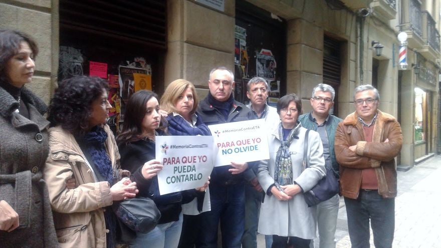 Covite coloca en Errenteria una placa por una víctima del GAL y ... - eldiario.es