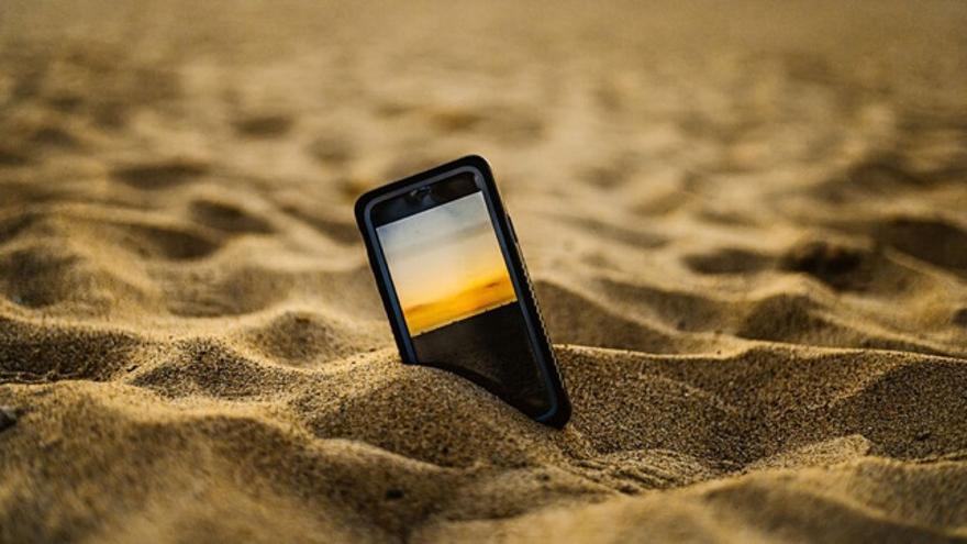 Cuidado con los smartphones en la playa.