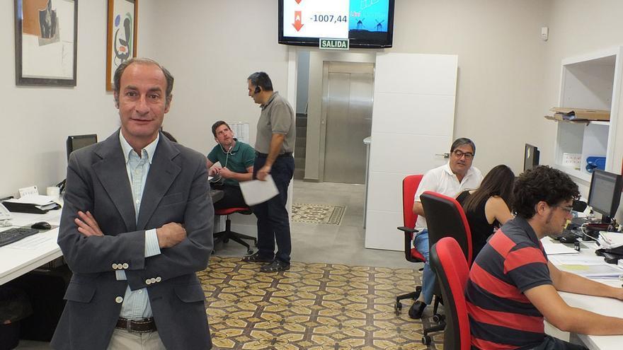 Diego Montes, en una de las dependencias de Unieléctrica.